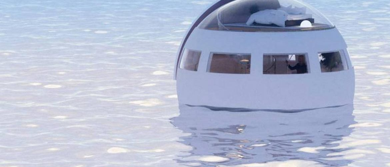 drijvende capsule in het attractiepark van Nagaski in Japan