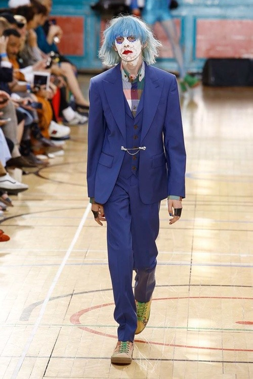 http 2F2Fhypebeast.com2Fimage2F20172F062Fvivienne westwood spring 2018 menswear collection london fashion week 13 - Vivienne Westwood maakt statement met de Lente Collectie 2018 - London Fashion Week Menswear