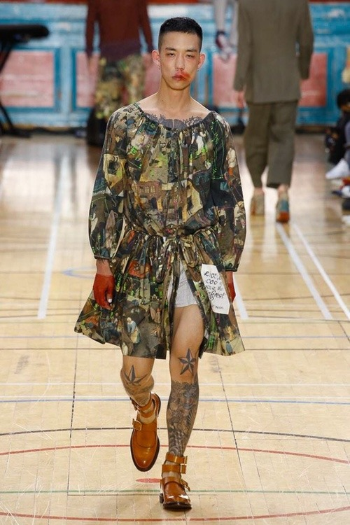 http 2F2Fhypebeast.com2Fimage2F20172F062Fvivienne westwood spring 2018 menswear collection london fashion week 2 - Vivienne Westwood maakt statement met de Lente Collectie 2018 - London Fashion Week Menswear