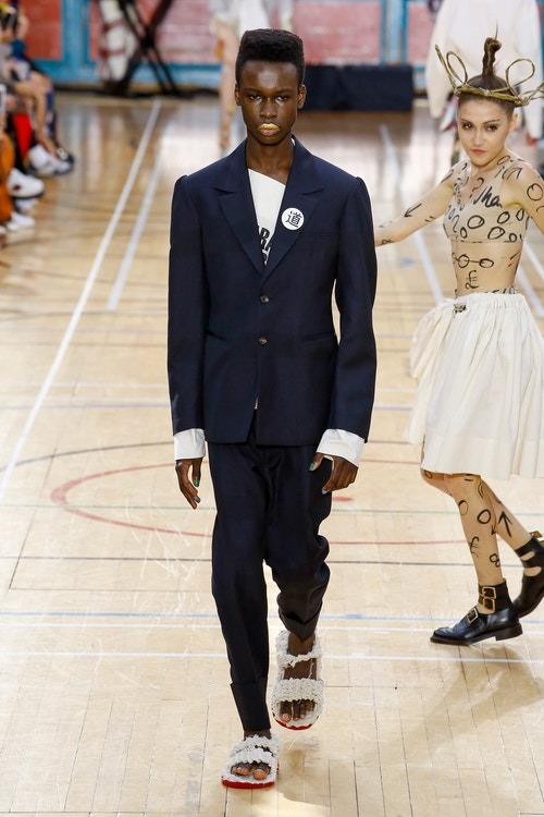 http 2F2Fhypebeast.com2Fimage2F20172F062Fvivienne westwood spring 2018 menswear collection london fashion week 9 - Vivienne Westwood maakt statement met de Lente Collectie 2018 - London Fashion Week Menswear