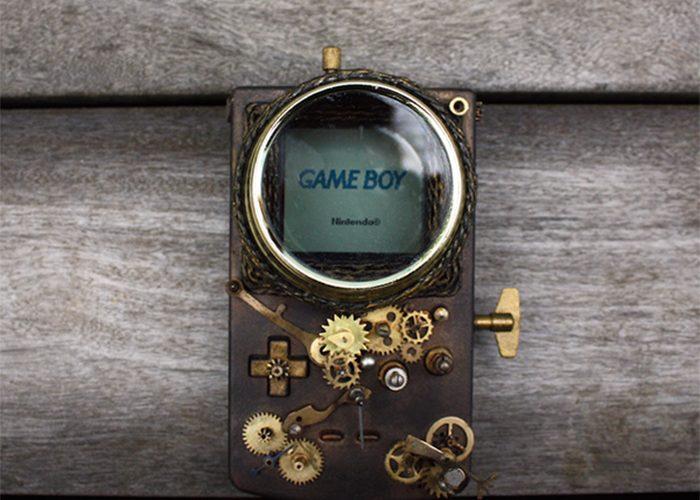 oude gameboy omgebouwd in steampunk style