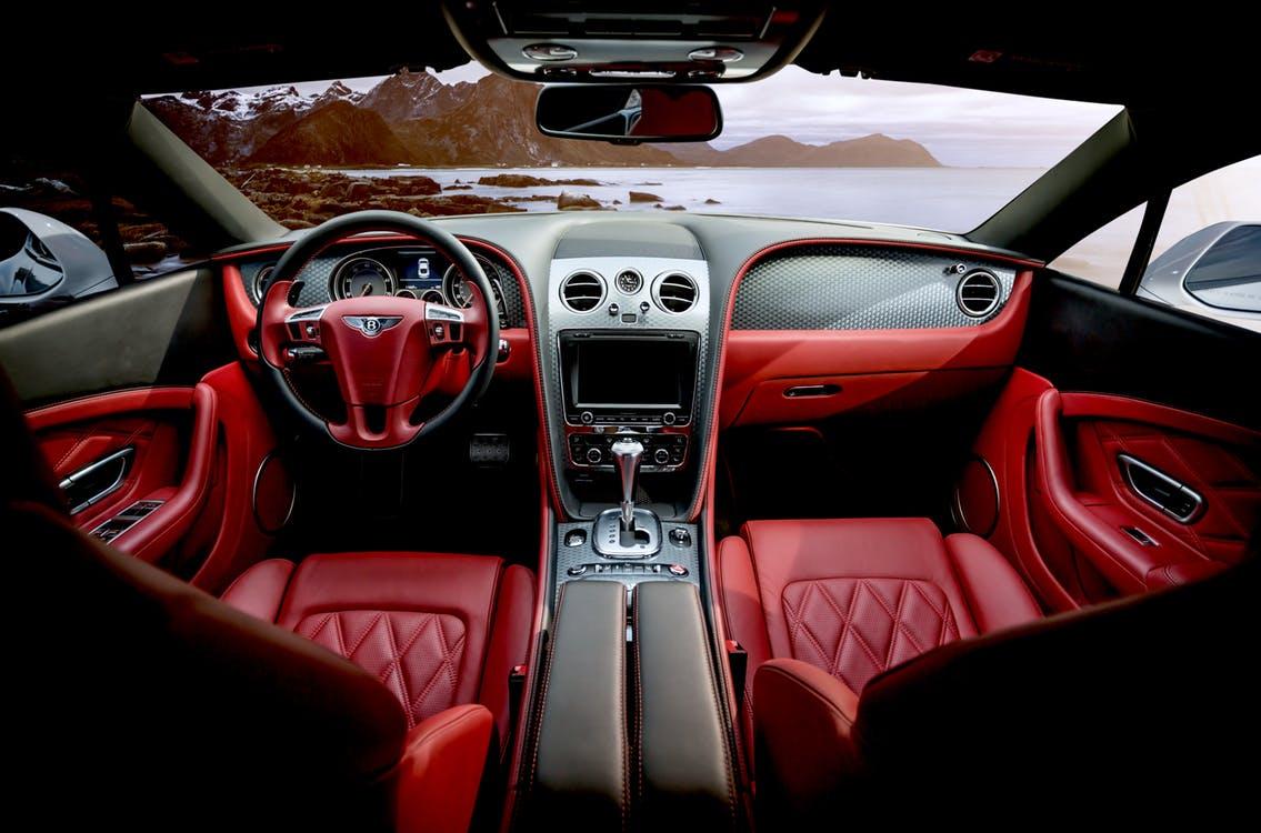 Top 10 Meest Luxe Auto\'s ter Wereld | Grandlife
