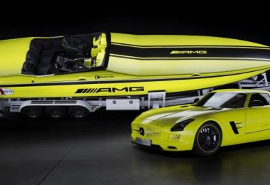 speedboten met passsende supercar