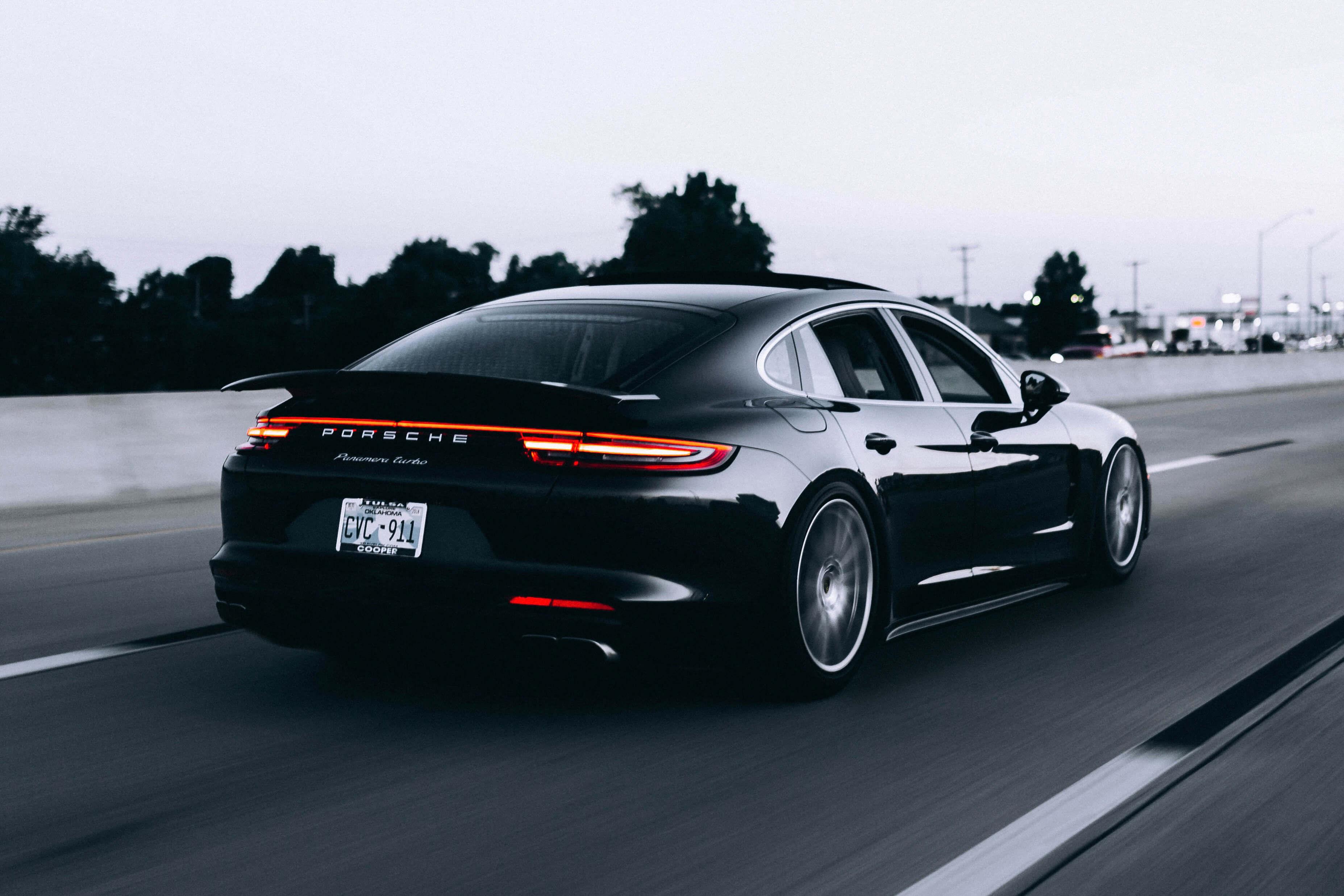 porsche_luxe_auto