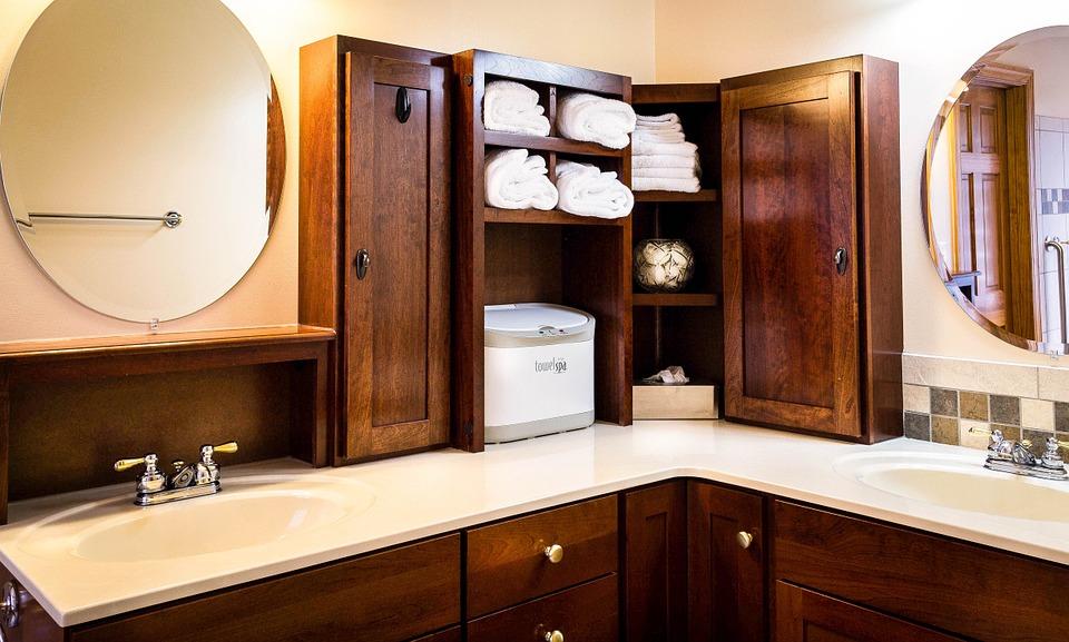 hoek wastafel badkamer hout