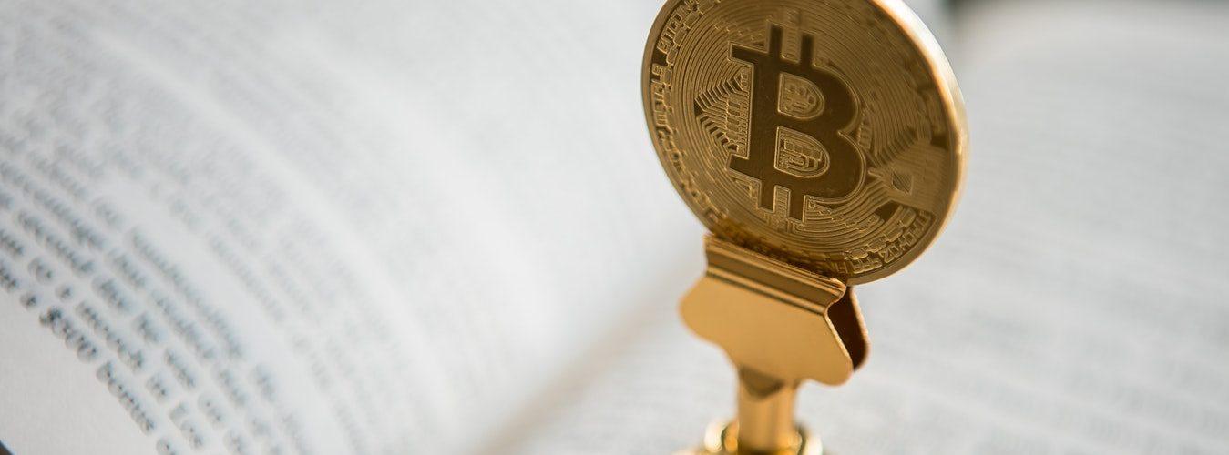 bitcoin op een boek
