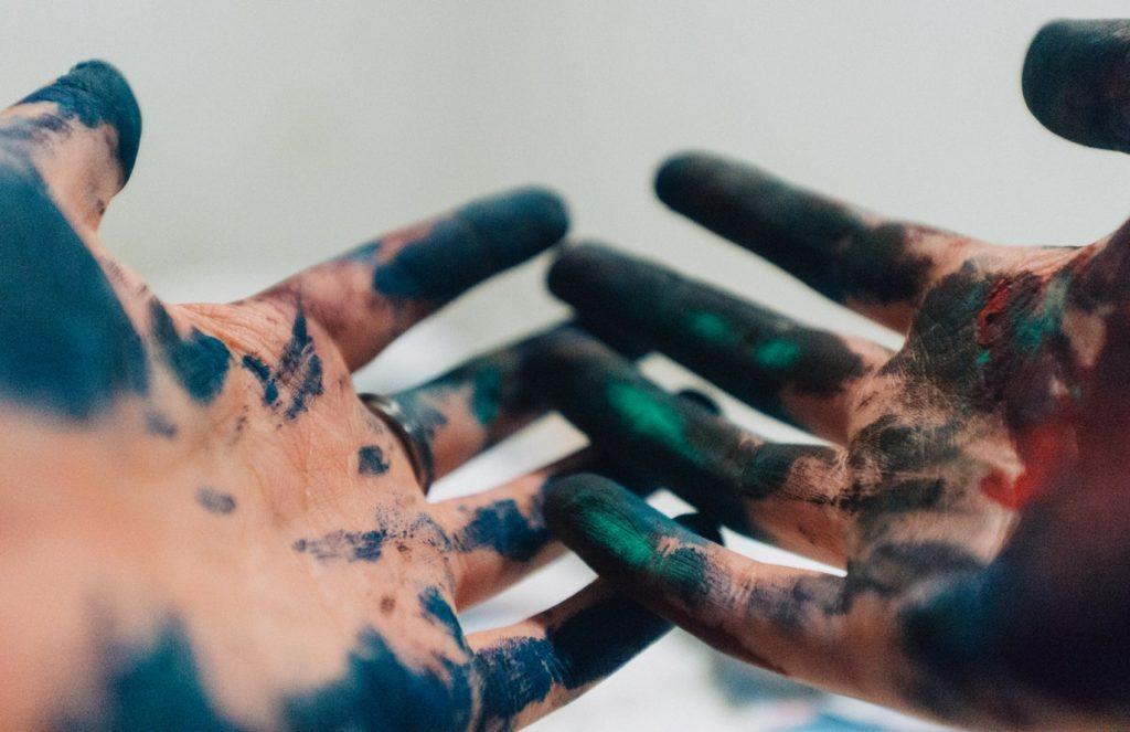 verf op handen