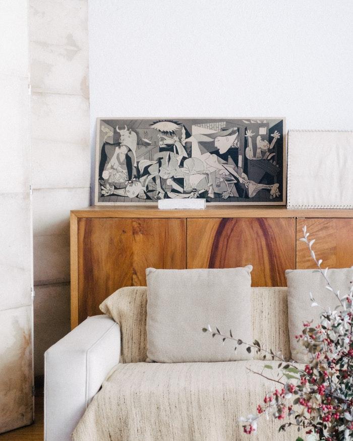kunstwerk in woonkamer
