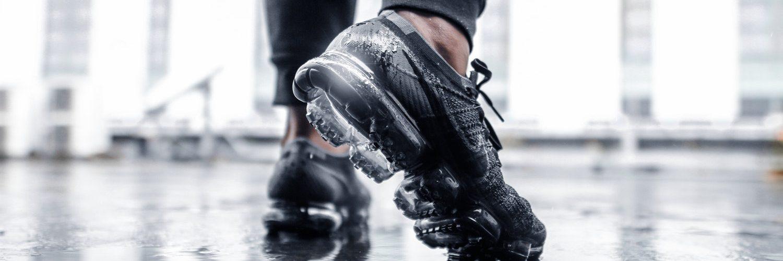 b7fdfdad689 Hoe Spot Je Nep Nikes: 10 Manieren om te Checken of je Nike Schoenen ...