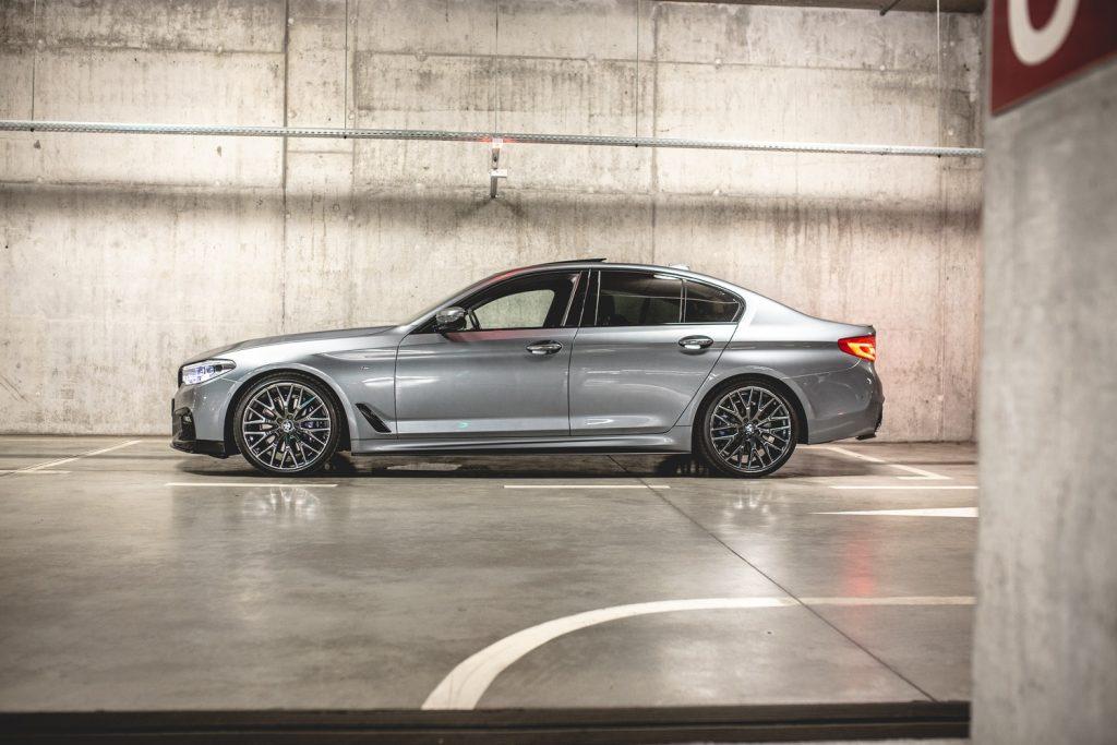 bmw auto grijs