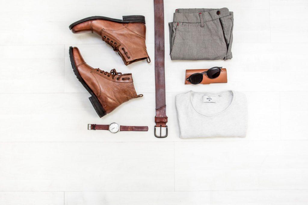 bruin-lichte-outfit-man-kleding