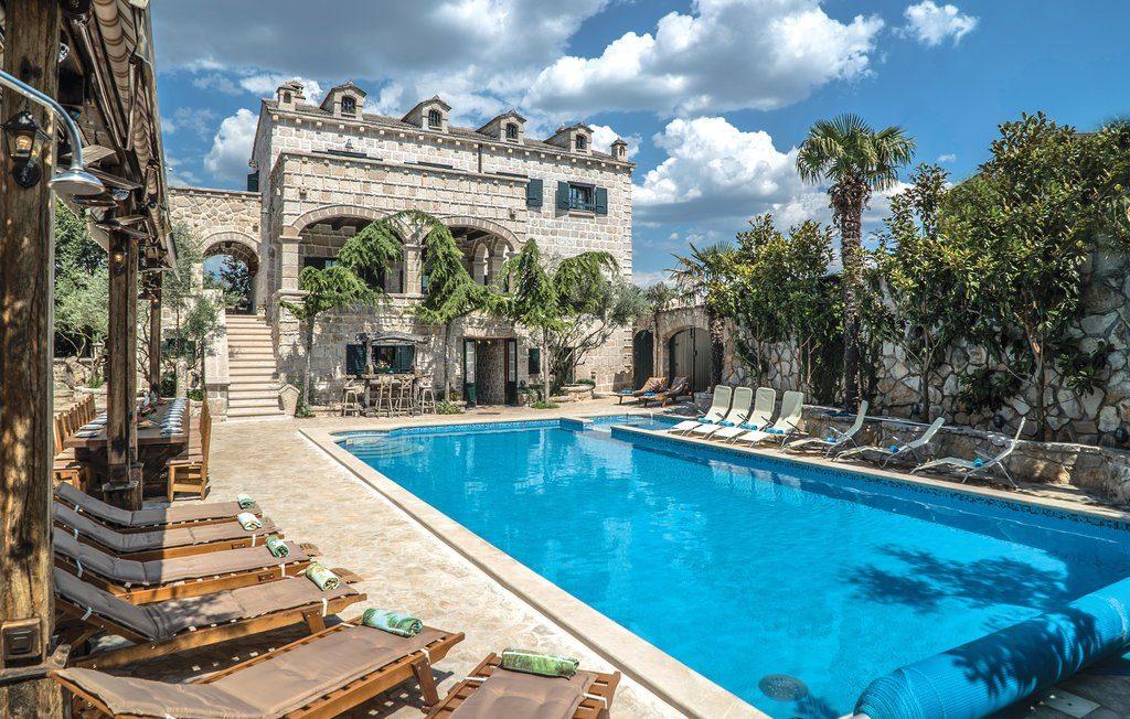vakantiehuis-zwembad-kroatie