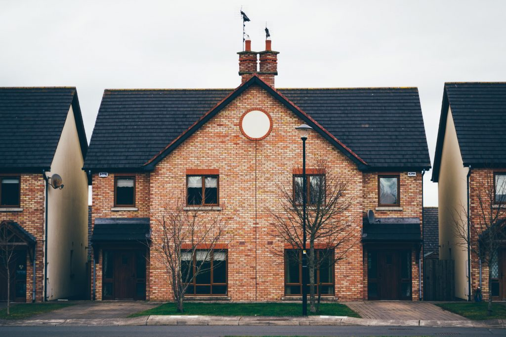 zwart-dak-huis