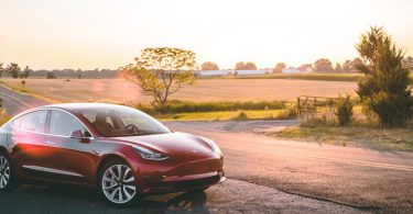tesla-3-sunset-rood
