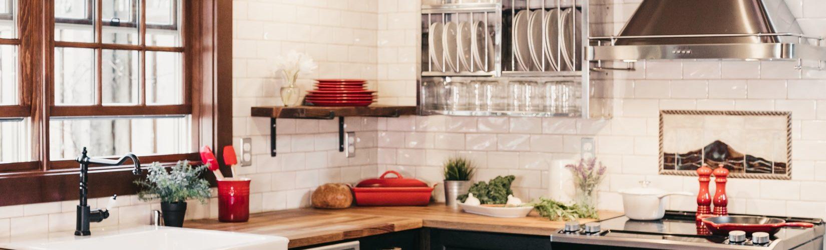 keuken-witte-tegels