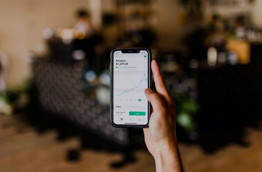 investeren-aandelen-telefoon