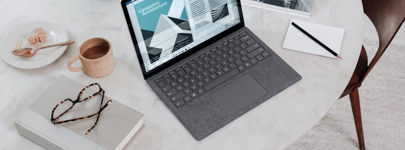 laptop-werken-grijs