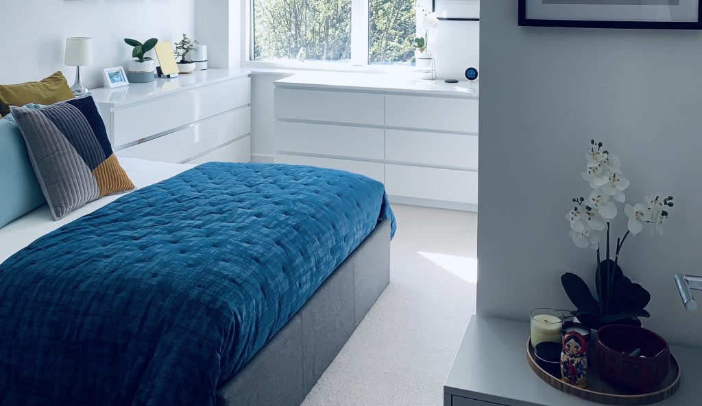 witte-slaapkamer-bed