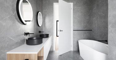 grijze-marmeren-badkamer