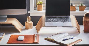 thuis-kantoor-bureau-hout