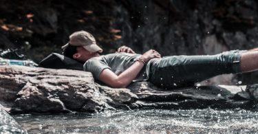 buiten-slapen-rots